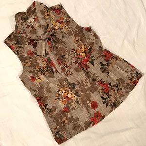Gorgeous Talbots sleeveless blouse